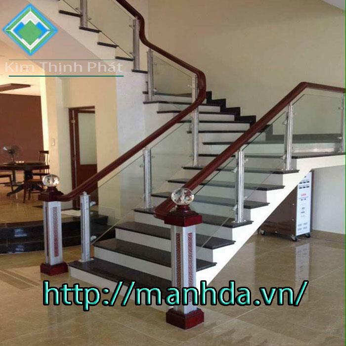 đá hoa cương cầu thang chung cư